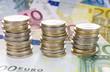 image avec des pièces de monnaie et des billets en euros