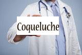 image où un medecin tient une pancarte où c'est marque coqueluche