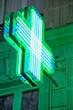 image de croix verte symbole de santé et pharmacie